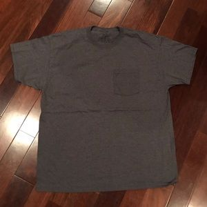 NWOT Men's dark gray pocket t-shirt size XL